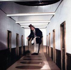 wonka-trick-hallway